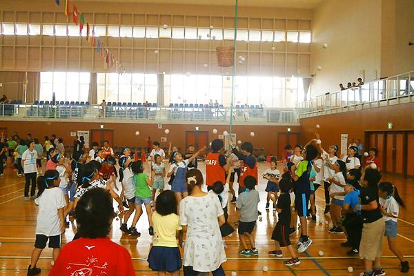 子どもから高齢者までが集うスポーツ施設を整備