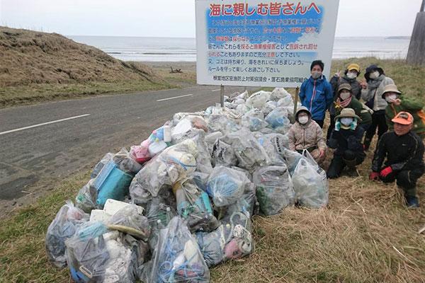 落石街道の清掃活動