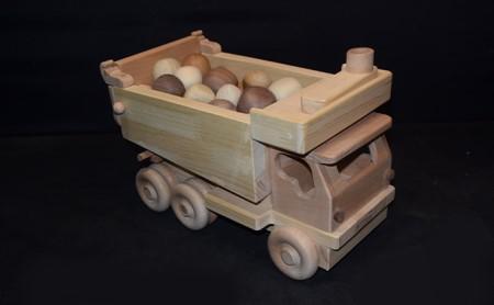 手作り木のおもちゃ ダンプカー