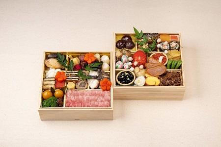 hc01 柿安本店  料亭おせち二段重と松阪牛すき焼セット(300g)