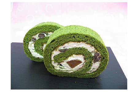 【2621-0067】お茶屋の宇治抹茶ロールケーキ1本と、まどれーぬ丹波黒豆入り3個