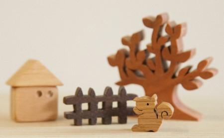 あそべる小さな木のインテリア 木の動物や家のミニチュア 小
