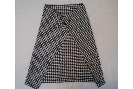 【2628-0179】ウール92% 着る 毛布 千鳥格子 ブラック系