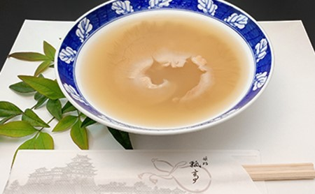 姫路名物すっぽんスープで煮込んだフカヒレ