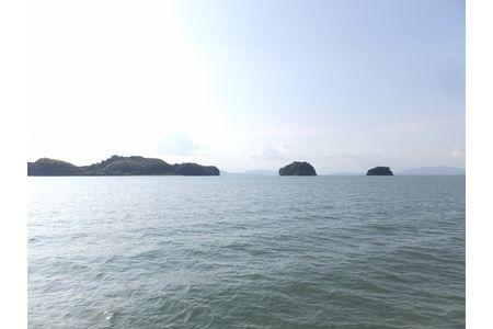 【2615-0002】島巡り
