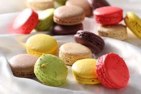 (233)【洋菓子工房クリクリ】色とりどりマカロン 18個