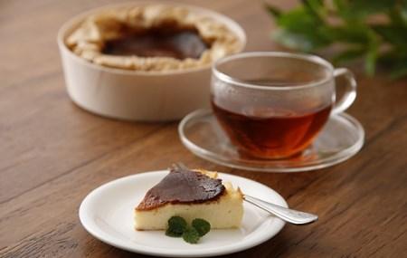【焦がしチーズケーキ食べ比べセット】古賀市×焦がしバスクチーズケーキ+焦がしレアチーズケーキ