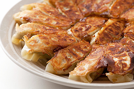 A2-008.肉汁溢れる肉餃子72個(国産素材使用)