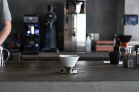 【ふるなび限定】Beasty Coffeeコーヒードリッパー ホワイト  amadana A15-164 FN-Limited