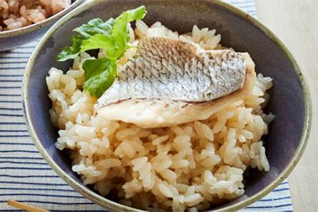 天然鯛の贅沢な鯛めしの素/米6合分※今ならふぐヒレ増量中!