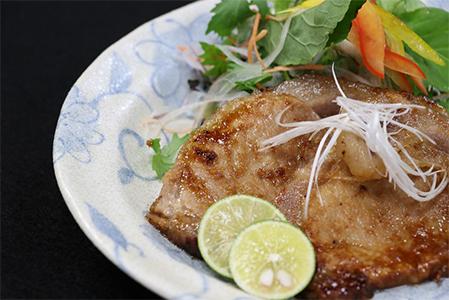 A5-0405/天然温泉水育ち 桜島美湯豚黒豚ロース味漬け