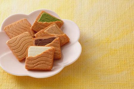北菓楼 はまなすの恋(チョコレートサンドクッキー)48枚入り