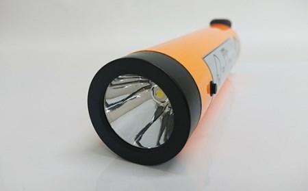 《水分で点灯!》ECOな水電池懐中電灯(白色LED) 1本(径4.6㎝×17cm 約138g)防災用