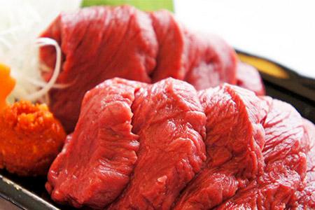 [№5771-0038]【肉のおおくぼ】会津ブランド認定 国産馬刺しと馬ユッケのセット