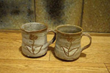 G020 ペアカタクリマグカップ