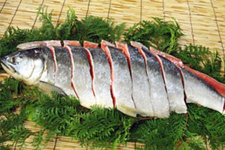 【2606-0027】新巻鮭1本(切身)1.5kg前後(北海道産)