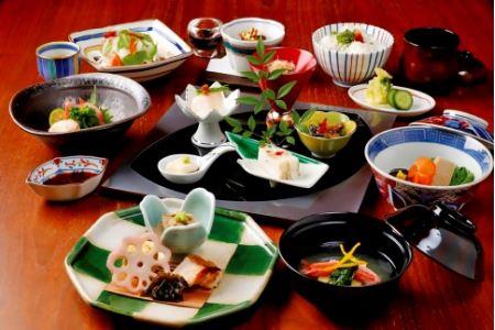 「dining gallery 銀座の金沢」ランチお食事券・工芸品引換券F