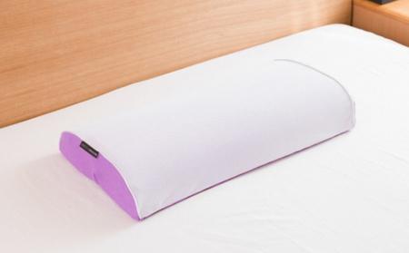 新素材の低反発レジェンドフォームとマルチウェーブカットで快適な寝心地を提供するスリープマージ(登録商標)ピロー