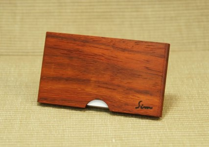 <松永弦楽器工房>木製名刺入れ(カラー選択:ブラックウオールナット、アフリカンパドック、メープル)