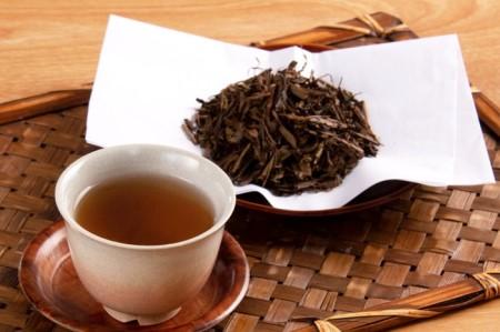 京都産ほうじ茶2kgと専用の大型茶筒付