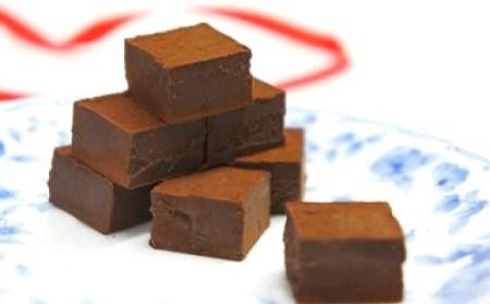 濃厚で口溶け滑らか 生チョコ3種セット(スイート、いちご、抹茶)0N14