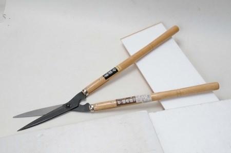 A-215 プロ仕様の逸品 ザ・植木屋(黒仕上)刈込鋏「竹」(No.0124)1丁