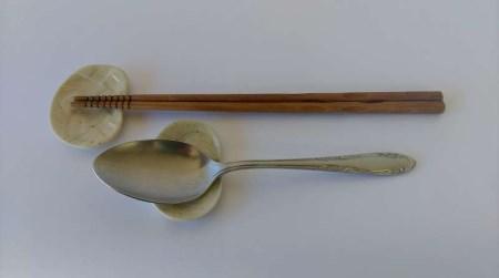 SH-15 陶芸作家 松本都子(さとこ)の箸まくら 「寿ことほぎ」