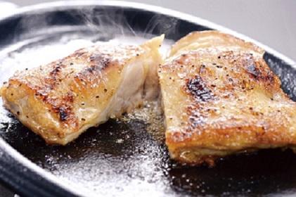 01C-033 【定期(6回)】秋川牧園 旨みたっぷり鶏肉セット