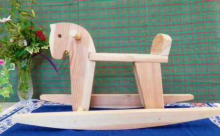 じぃじの手仕事 ぬくもりいっぱい木製おもちゃ(木馬)