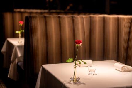 リストランテ・ヒロ 青山本店 特産品ランチ・ディナー共通コース 2名様(寄附申込月の翌月から6ヶ月間有効・30組限定) ふるなび美食体験 FN-Gourmet404263
