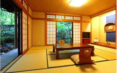 【小田温泉】静寂な森の宿 山しのぶ<離れ客室>ペア宿泊券