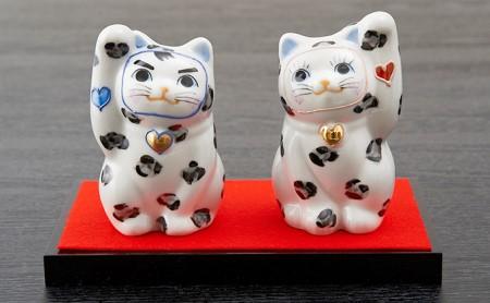 九谷LOVE招き猫(大)「ゆっきー&ゆきお」台・敷物付き