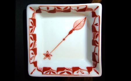 赤絵ゆず葉花種 平角珍味皿
