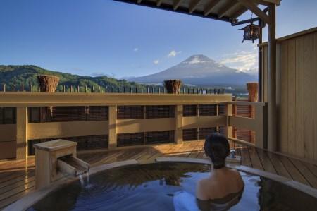 ホテル鐘山苑 天空のおもてなし貴賓室5名様宿泊券