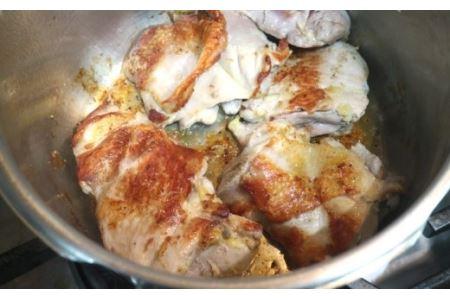 [完全無添加・地鶏使用]冷凍チキンカレー【AT-009】