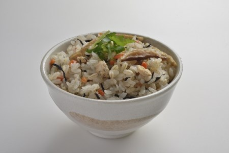 (レトルト包装米飯)もち麦入りとり五目ごはん  150g×24食