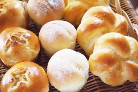 焼いたパンが固くなりにくい小麦粉2.5kg×4袋(計10kg)H008-037