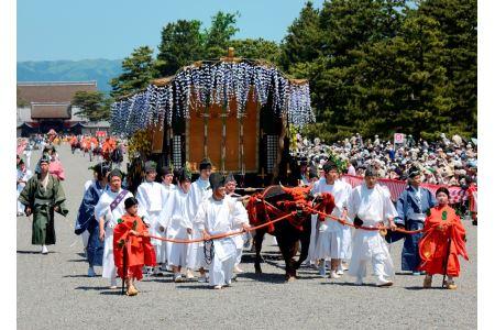 葵祭(5月15日)~平安装束の優雅な行列~