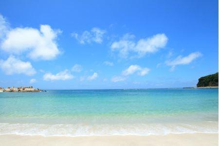 ②関西屈指の美しい白砂ビーチ