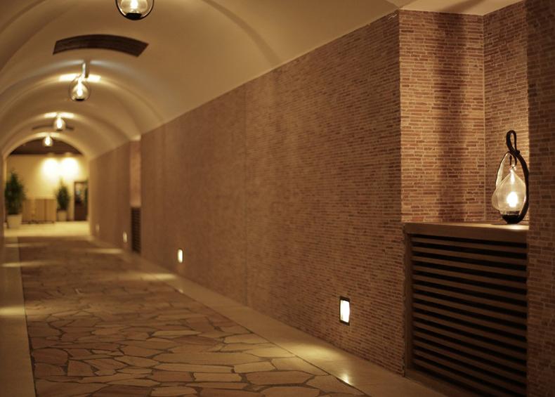 館内には至るところにプロヴァンス調の意匠を設え、プロヴァンスの歴史と伝統を感じることができます。