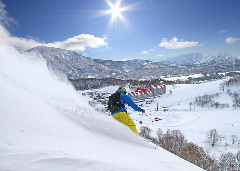 【ウィンタースポーツ】 小谷村の3スキー場で楽しむ最高のスキーシーズン!