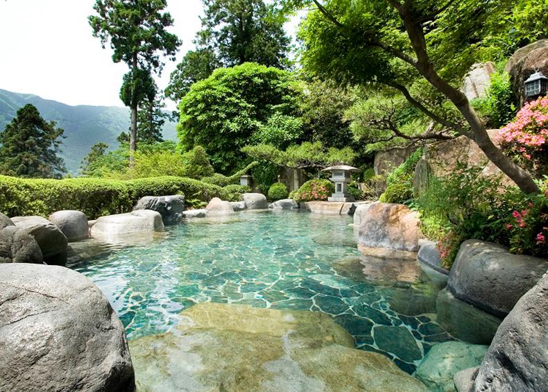 展望露風呂からの解放感あふれる景色も、当館の自慢のひとつでございます。