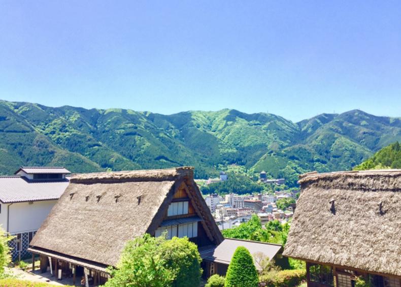 【合掌村】 古き良き街並みの残る風景も魅力のひとつ。