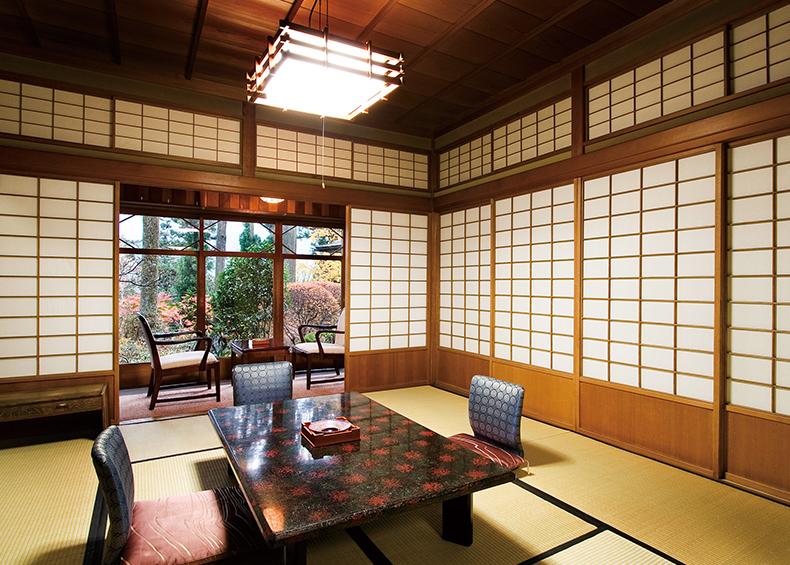 飛騨の匠の技と昭和のロマンを堪能する、登録有形文化財のお部屋