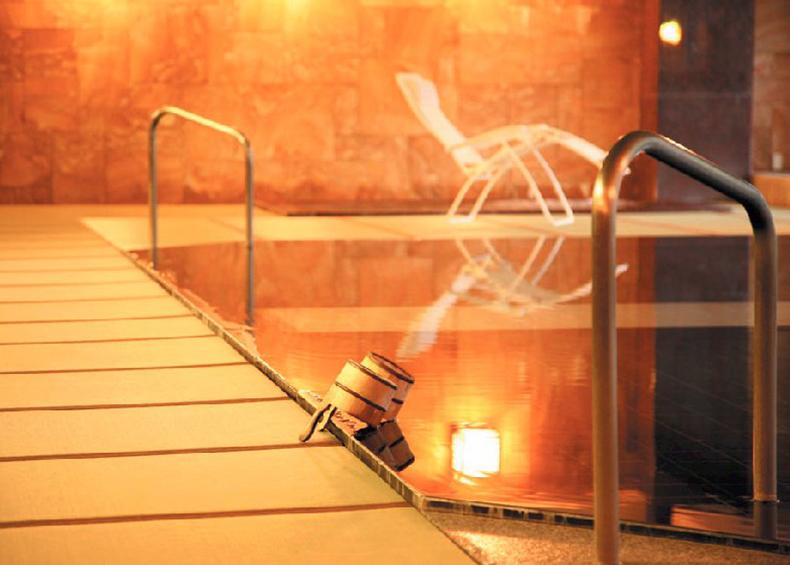 和のくつろぎの代表である「畳文化」の美しさ・優しさ・くつろぎ、安らぎ感は≪癒し・和み≫の「日本文化」の一つです。