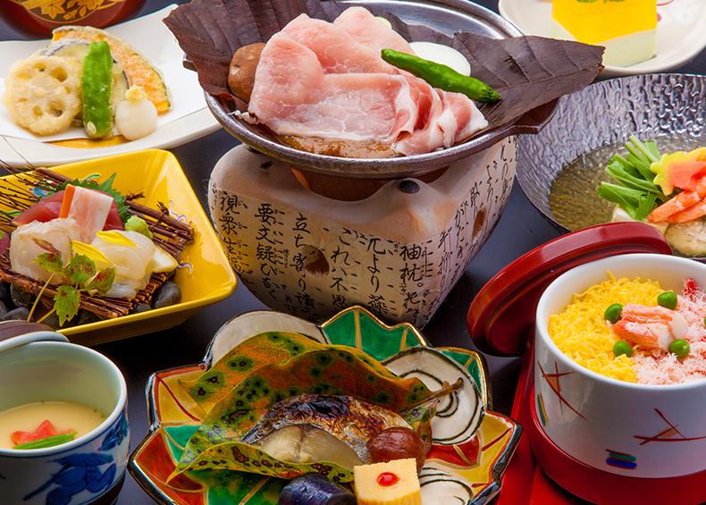 一品一品丹精に手をかけた郷土料理の味と心をご堪能ください。