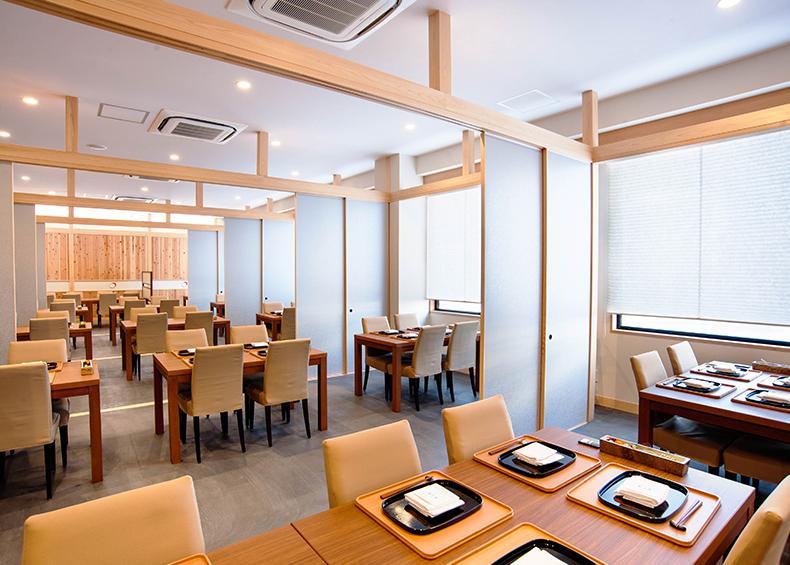 伝統的な日本料理の技法で素材の良さを最大限に引き出した、贅をつくした料理をお愉しみください。