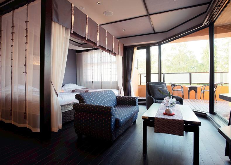 すべての客室に露天風呂、天蓋付きベットがございますので、 心ゆくまで贅沢な時間をお過ごしください。