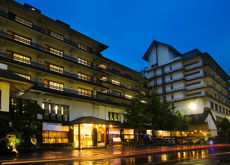山口県湯田温泉の旅館 西の雅常盤。女将劇場や6つのお風呂が楽しめる湯田温泉の旅館です。
