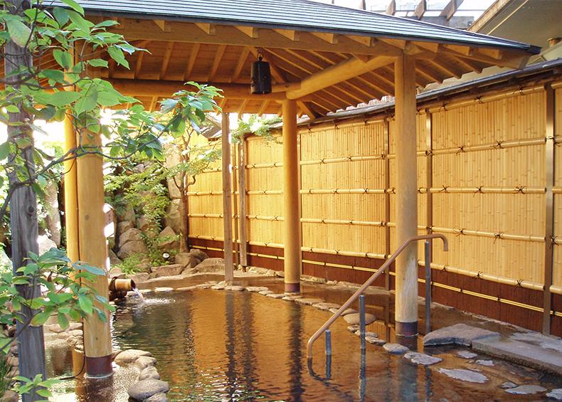 湯田温泉ユウベルホテル松政のお風呂は、その湯田温泉の源泉を100%かけ流しして利用しています。